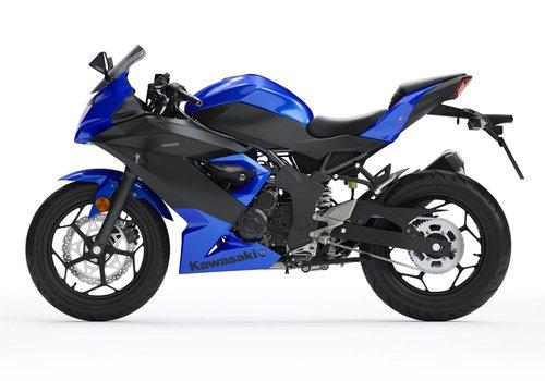 New 2019 Kawasaki Ninja 125 ABS **SAVE £750!!** For Sale (picture 3 of 6)