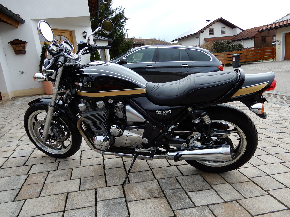 1993 Kawasaki Zephyr 1100 big aircooled muscle bike in top state SOLD (picture 2 of 6)