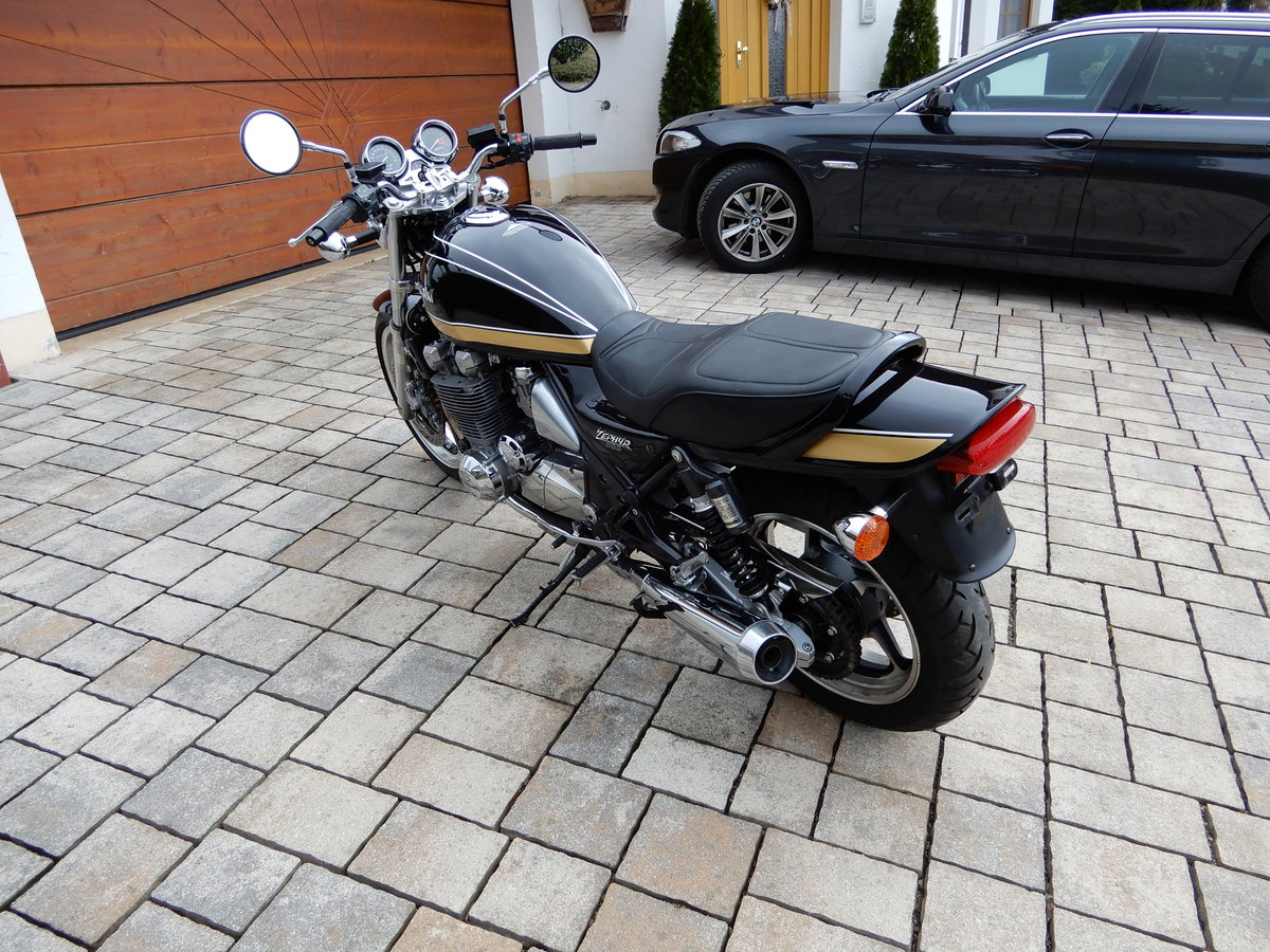 1993 Kawasaki Zephyr 1100 big aircooled muscle bike in top state SOLD (picture 4 of 6)