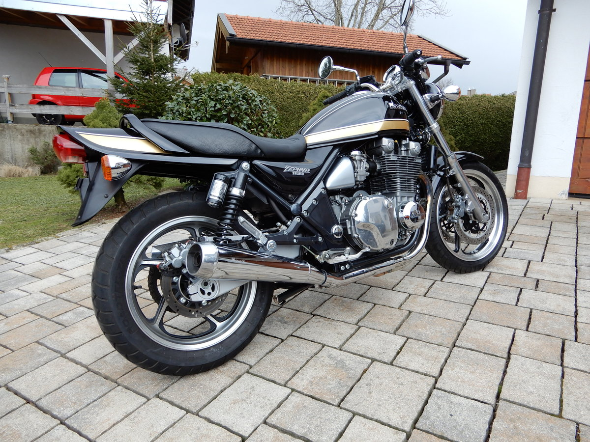 1993 Kawasaki Zephyr 1100 big aircooled muscle bike in top state For Sale (picture 5 of 6)