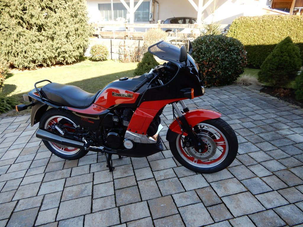 1985 GPZ 750 TURBO……..Totally original condition SOLD (picture 2 of 6)
