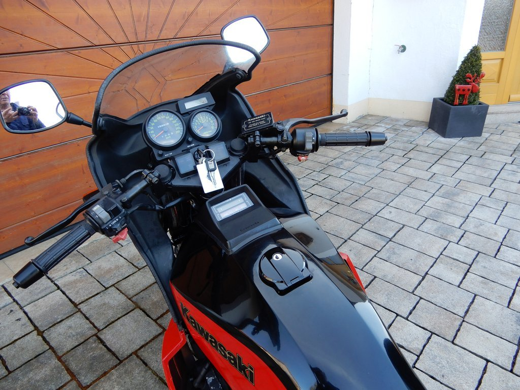 1985 GPZ 750 TURBO……..Totally original condition SOLD (picture 5 of 6)