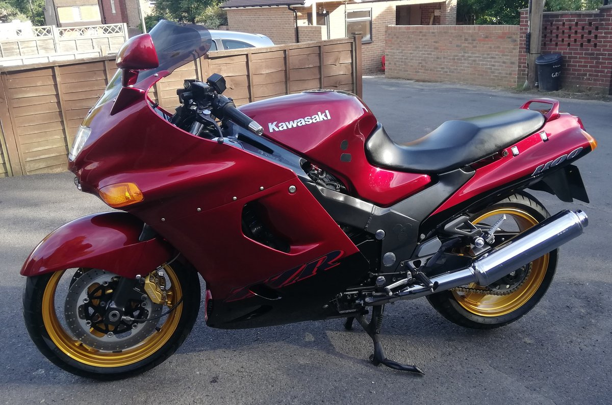 1999 Kawasaki ZZR1100 D7 For Sale (picture 1 of 6)