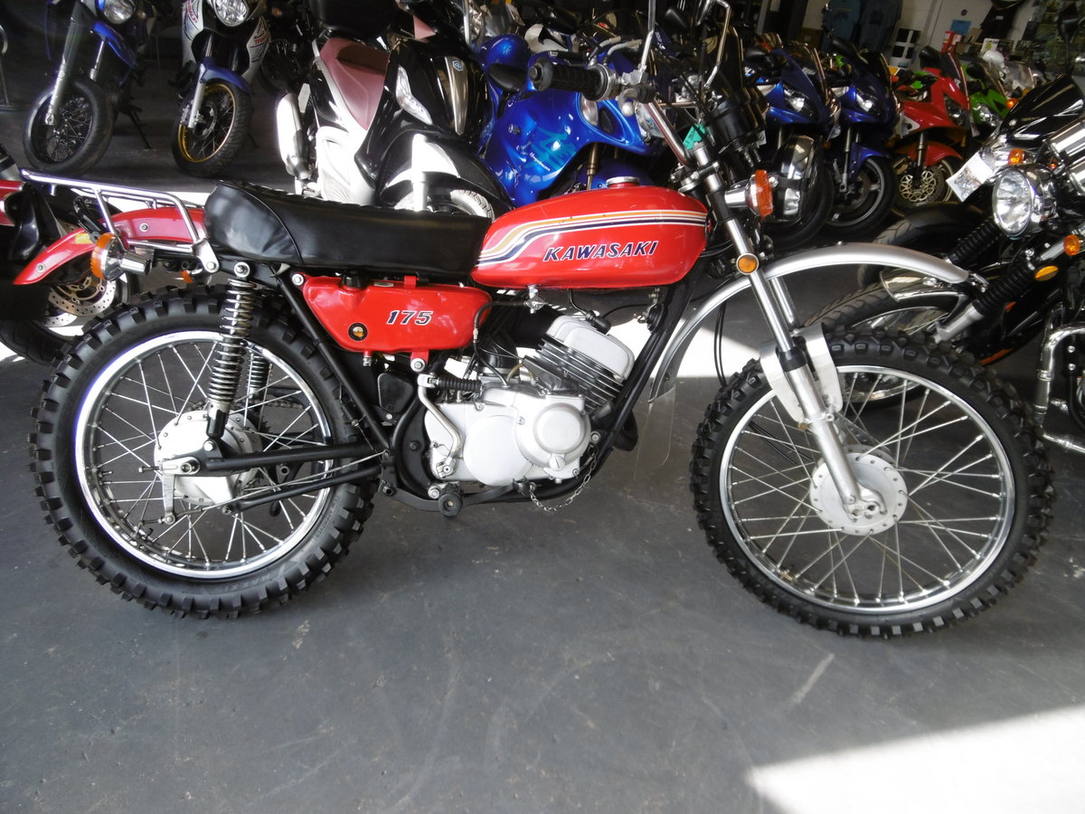 Kawasaki KE175 Standard and very Smart 1972 SOLD (picture 1 of 6)