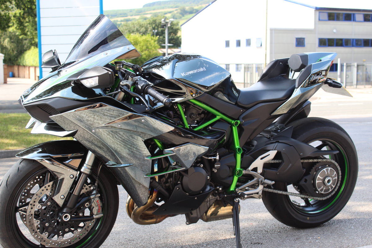 2015 15 Kawasaki NINJA H2 Supercharged Supersport For Sale (picture 3 of 6)