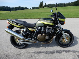 Kawasaki ZRX1200R, 2005 Unique Z1 candy green For Sale