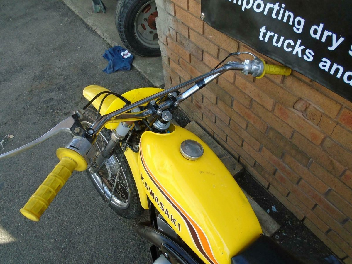 1971 KAWASAKI G5 KE100 YELLOW US IMPORT PART RESTORED For Sale (picture 4 of 6)