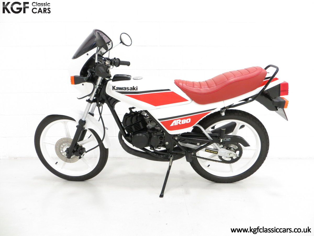 1987 An Absolutely Stunning Fully Restored UK Kawasaki AR80-C5 SOLD (picture 3 of 6)