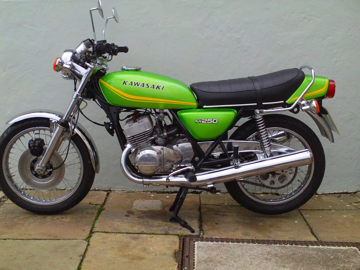1980 KAWASAKI KH250 SOLD (picture 3 of 6)