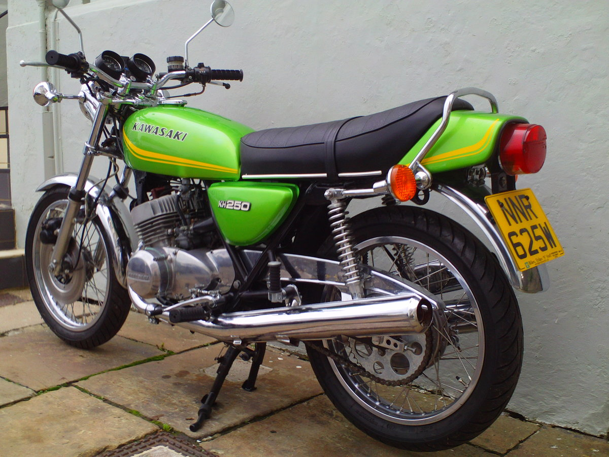 1980 KAWASAKI KH250 SOLD (picture 4 of 6)