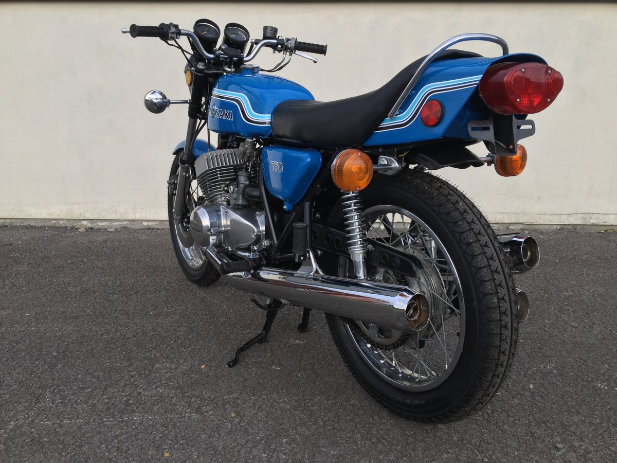 Kawasaki H2 750 1972 Pearl Candy Blue Sympathetic Resto SOLD (picture 3 of 4)