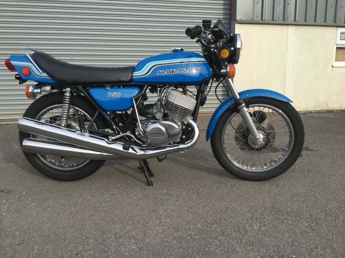 Kawasaki H2 750 1972 Pearl Candy Blue Sympathetic Resto SOLD (picture 4 of 4)