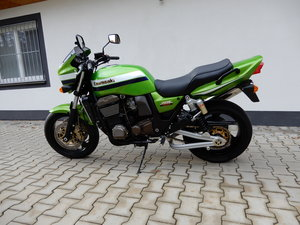 2002 Kawasaki ZRX1200R candy lime green very nice original state For Sale