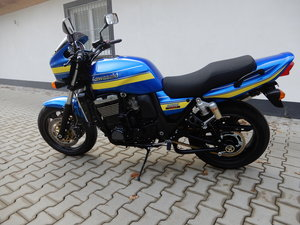 1998 Kawasaki ZRX1100 R Unique DAEG style in candy police colours For Sale