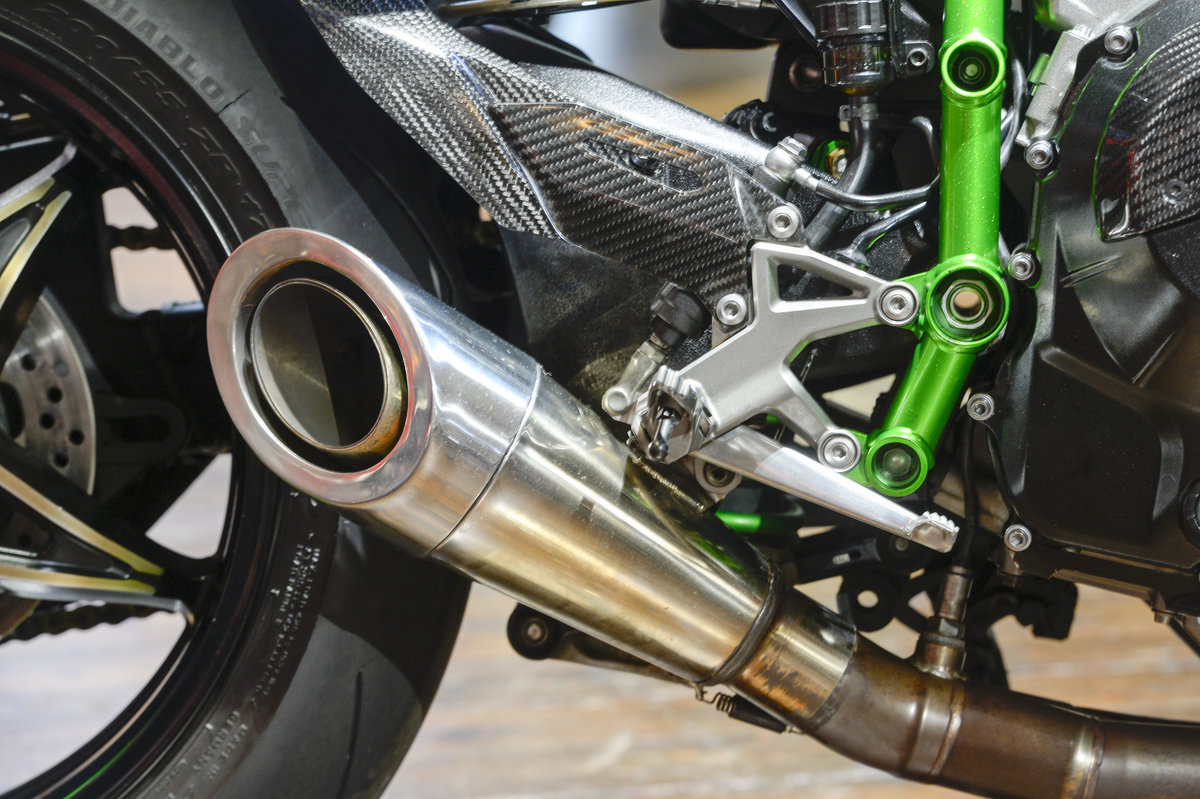 2015 Kawasaki H2 THE ULTIMATE ROAD LEGAL H2R Replica For Sale (picture 2 of 6)