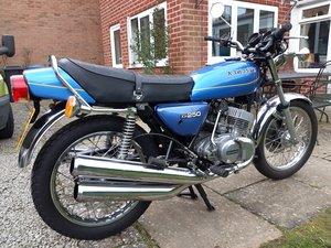 1977 KH250 2 stroke triple fun!