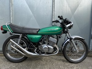 KAWASAKI KH 400 TRIPLE BLISTERING UNFINISHED BIKE WITH V5