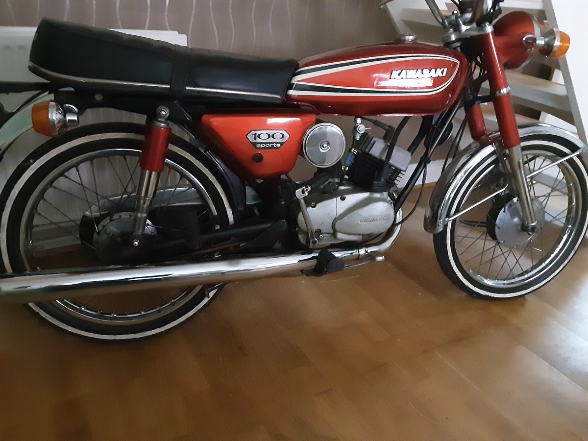 1975 Classic Kawasaki kh100 For Sale (picture 1 of 4)