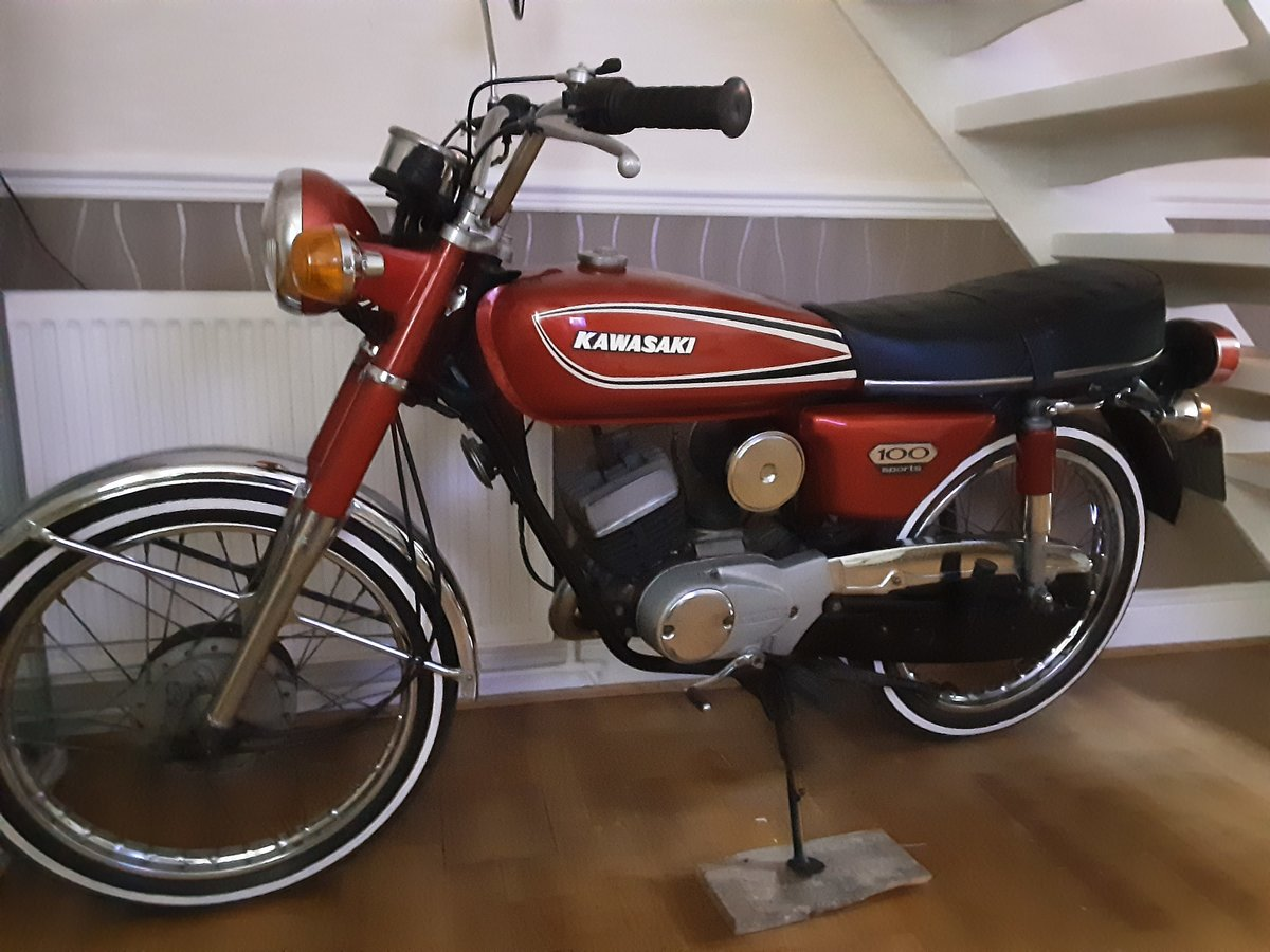 1975 Classic Kawasaki kh100 For Sale (picture 2 of 4)