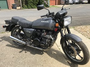 Project- Kawasaki GT750 (Z750-P1) 1982, (70 LEFT)
