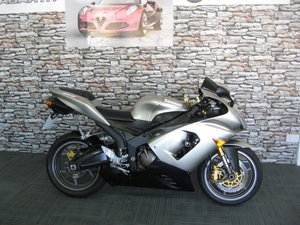 2006 06-reg Kawasaki ZX636r finished in grey metallic