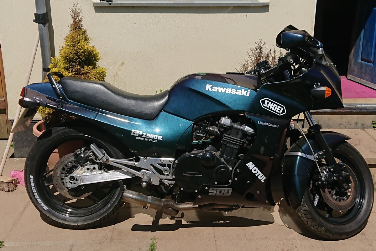 1987 Kawasaki GPZ900R  ZX900 A4 For Sale (picture 1 of 5)