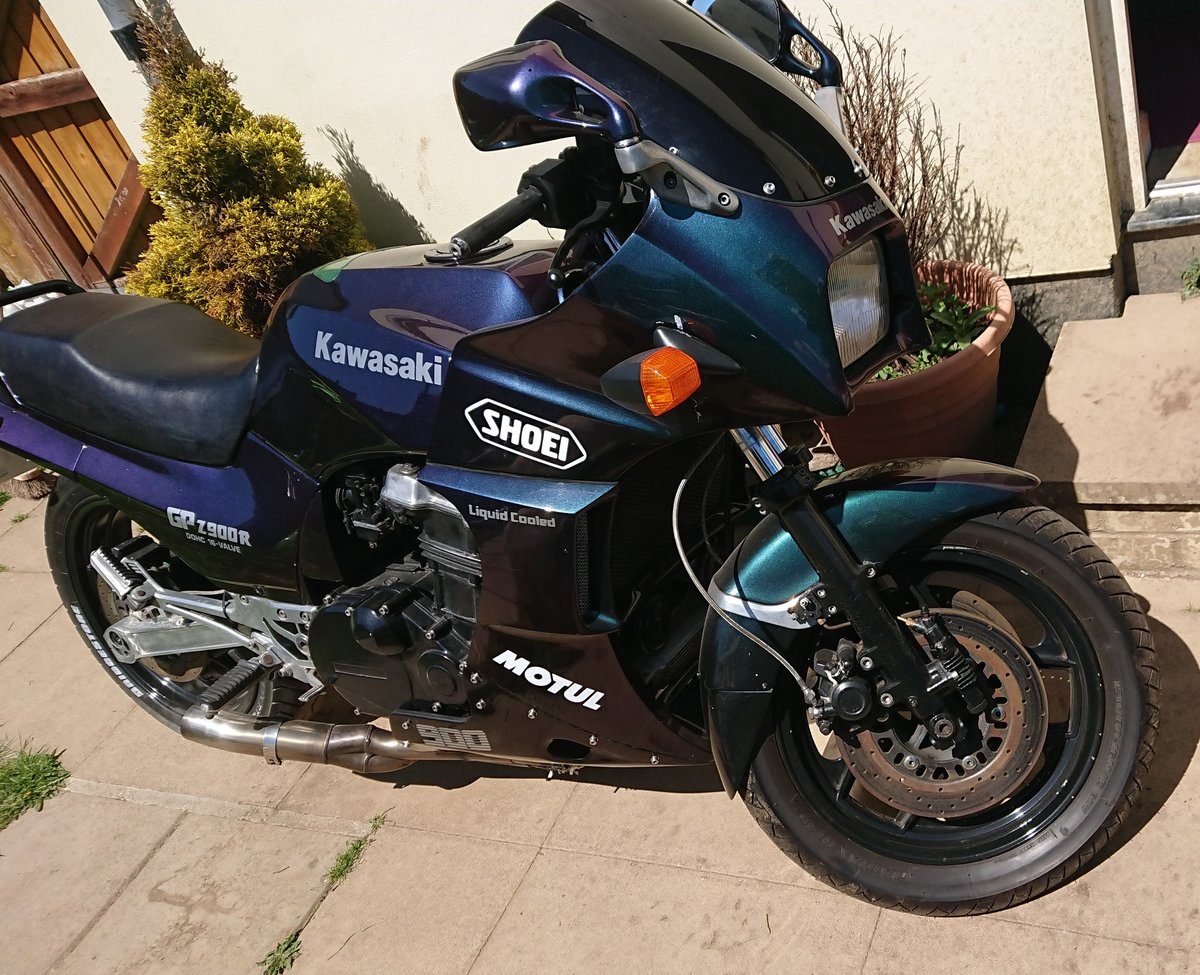 1987 Kawasaki GPZ900R  ZX900 A4 For Sale (picture 2 of 5)
