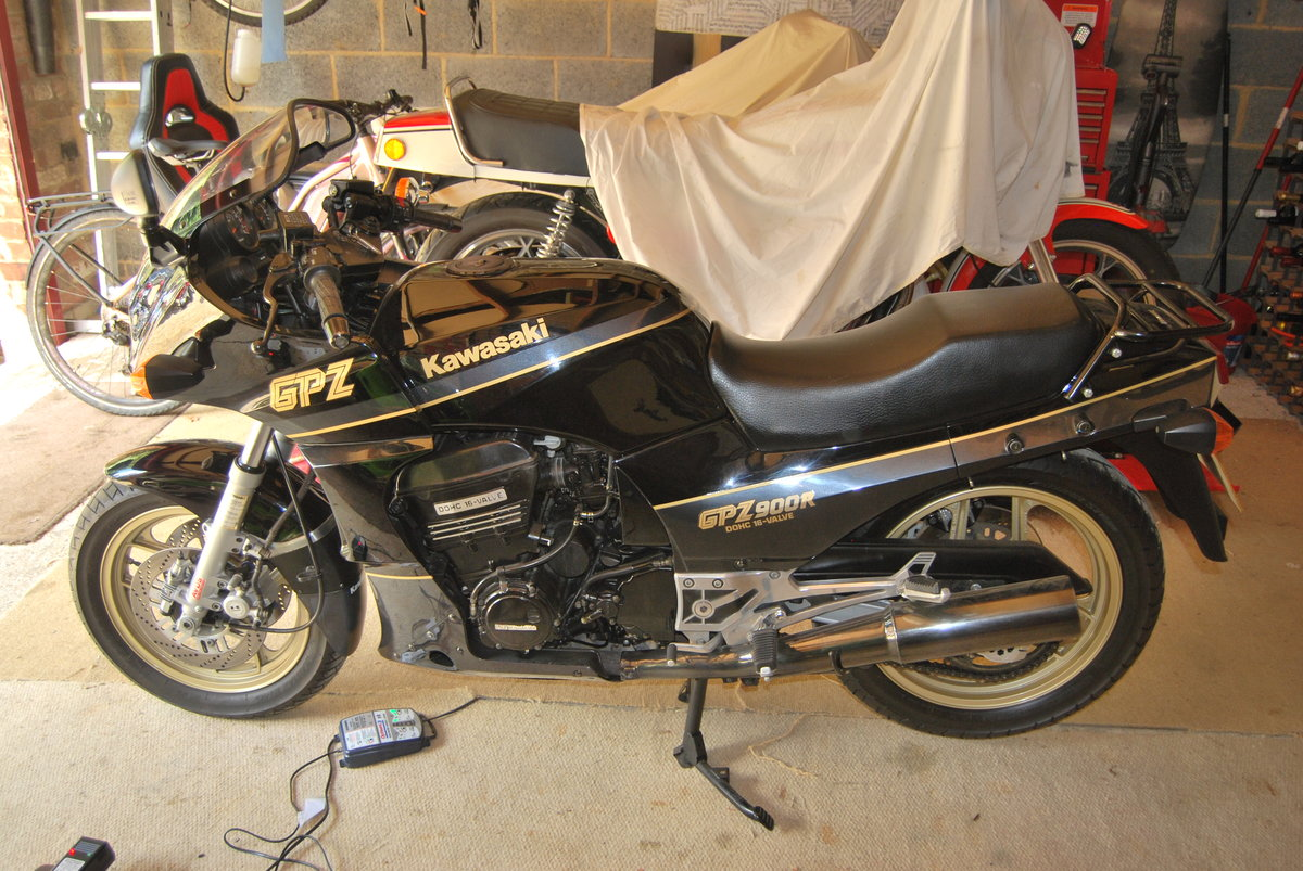 1989 Kawasaki GPZ 900 R A6. For Sale (picture 3 of 4)