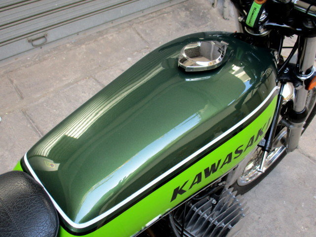KAWASAKI 500 H1 / F MACH III (1976) MYTHICAL For Sale (picture 2 of 6)