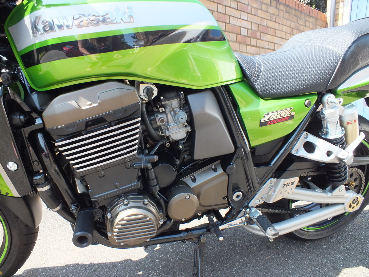 2003 Kawasaki ZRX 1200 R - NOW SOLD !! SOLD (picture 4 of 6)