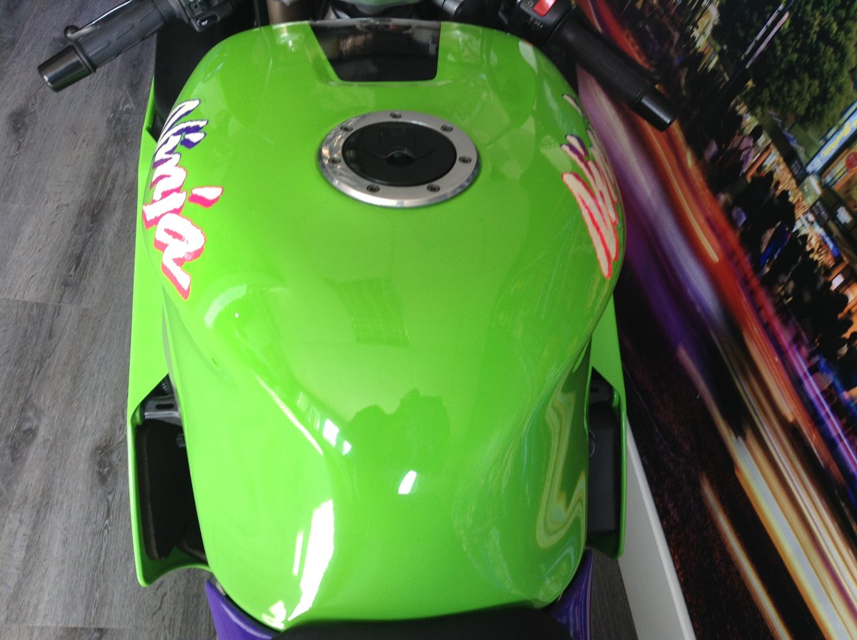 1998 Kawasaki ZX7-RR Limited Edition Homologation Special For Sale (picture 4 of 6)