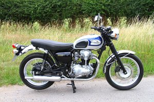 Kawasaki W650 - ONLY 1500 MILES - Immaculate