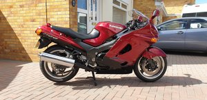 Kawasaki zzr1100 with luggage. 1 owner. Full mot