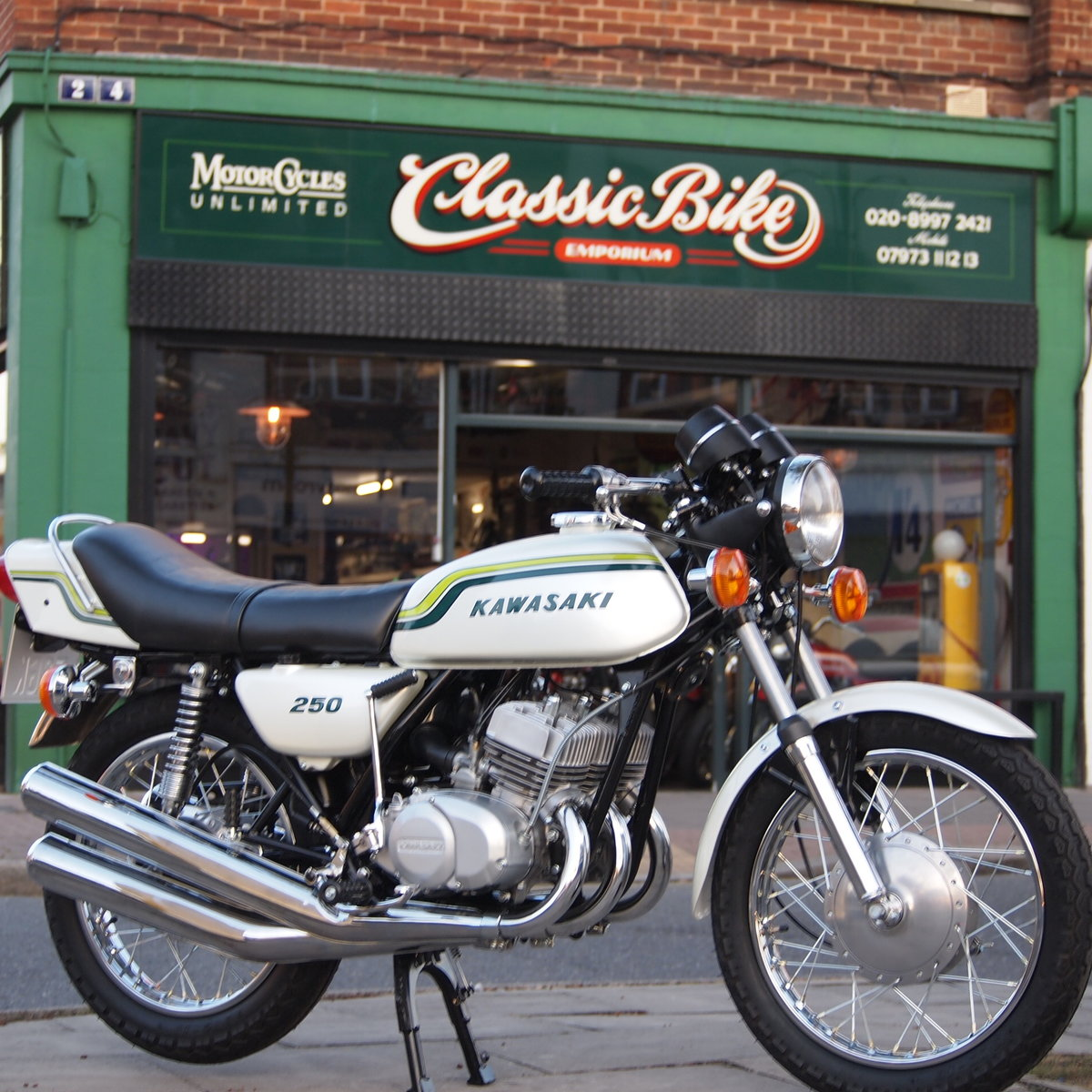 1972 Kawasaki S1 250 Triple, RESERVED FOR STEPHEN. SOLD (picture 2 of 6)