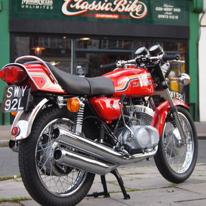 Kawasaki S2 350 Triple, Rare UK Model, Flat Bars / L/Guard.