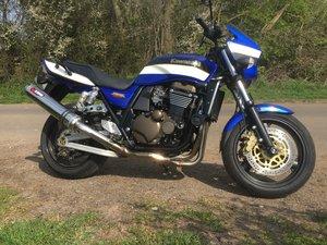 Kawasaki zrx 1200r