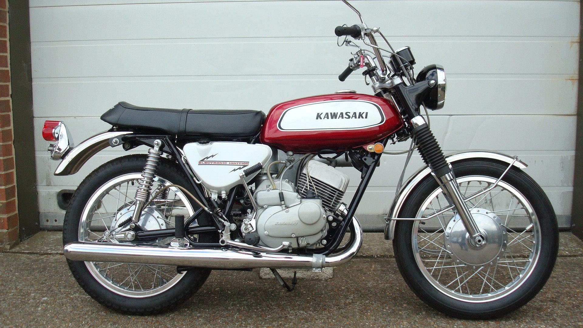 Kawasaki A1A Samurai 250 1970-J **SHOW STANDARD,RESTORED** For Sale (picture 1 of 10)