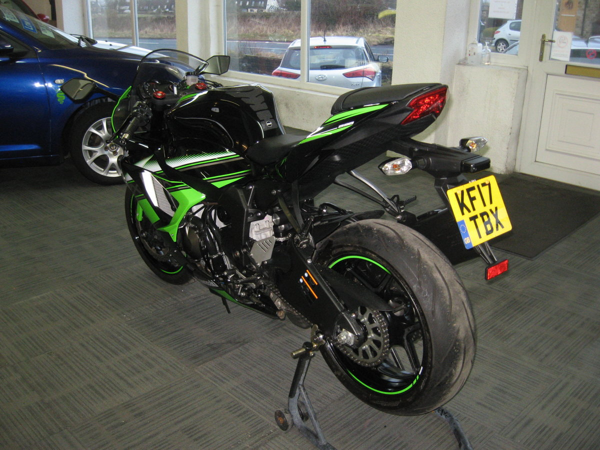 2017 17-reg Kawasaki ZX636r EGFA Ltd Edition finished in gre For Sale (picture 5 of 12)