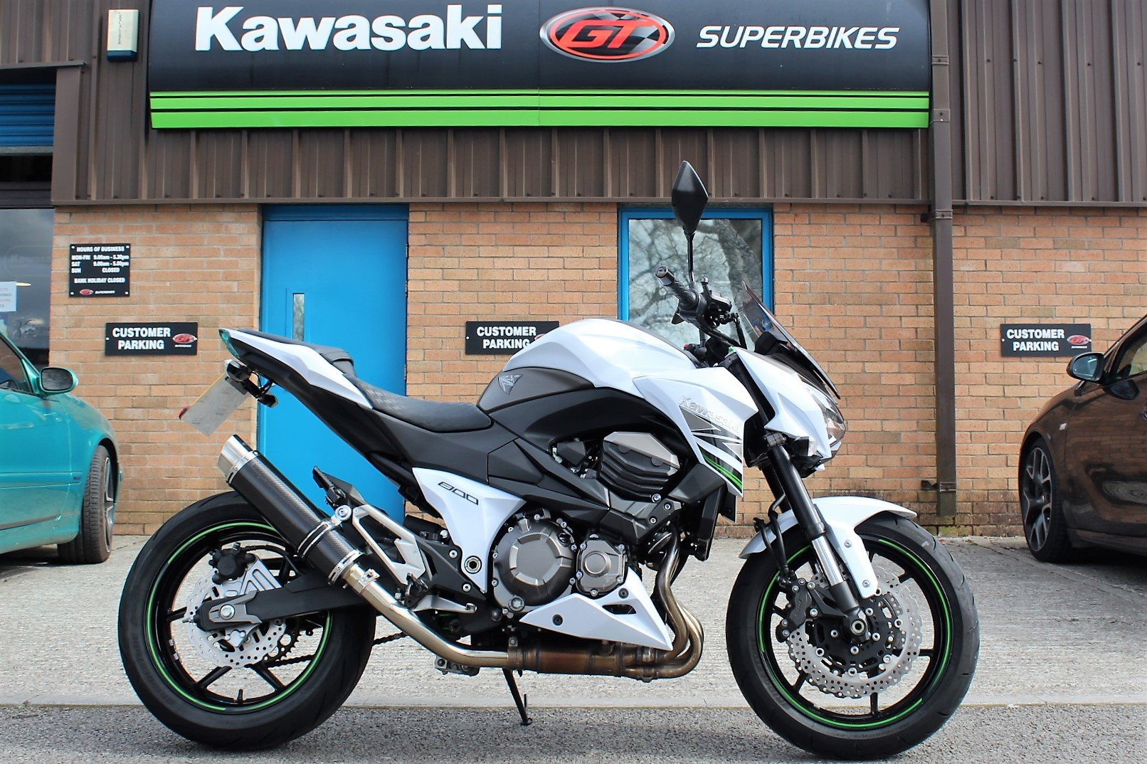 2015 15 Kawasaki Z800 **White** Just 5,800 Miles** For Sale (picture 1 of 12)