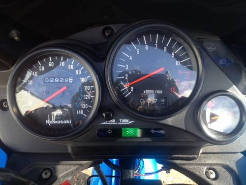 2000 gpz500 only 3200 miles SOLD (picture 3 of 6)