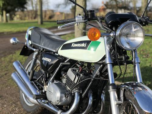 Kawasaki KH250 1979 Uk Model SOLD (picture 3 of 6)