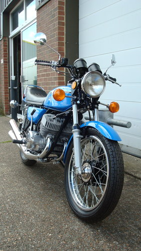 Kawasaki H2 750 TRIPLE 1972-K **RESTORED**19578 MILES** For Sale (picture 2 of 6)