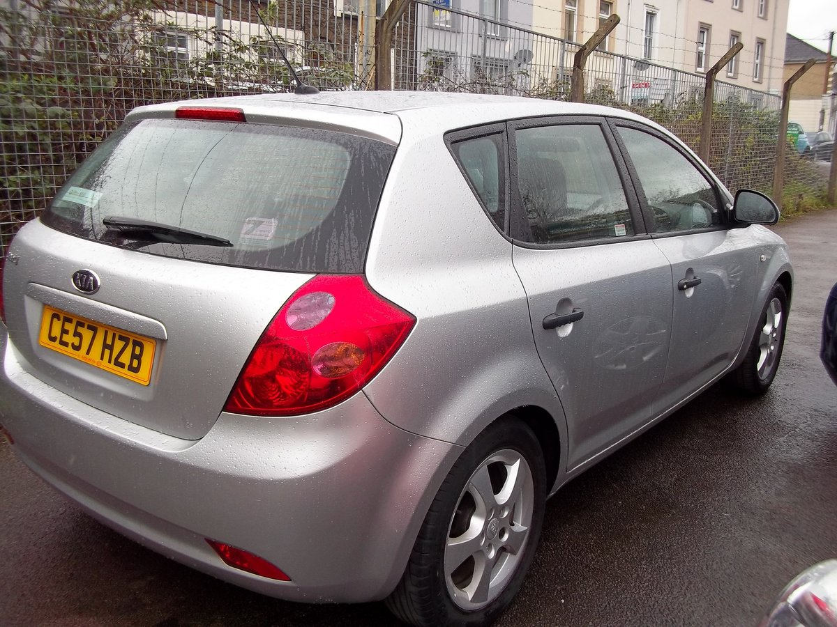 2007 Kia Cee'd 1.4 SR For Sale (picture 2 of 5)