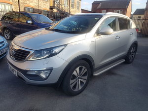 2012 Kia Sportage Full glass roof 4 x 4 diesel