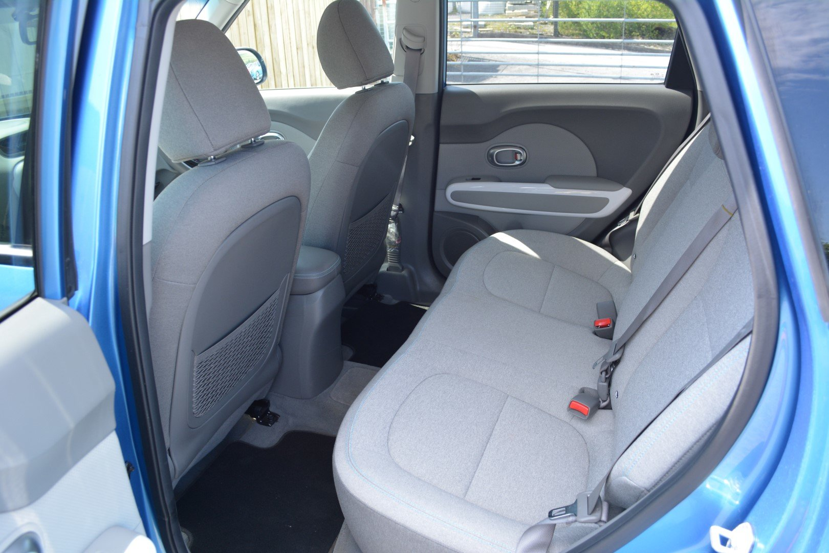 2018 Kia Soul EV Fully Electric - Practical Space - Great Range For Sale (picture 4 of 6)