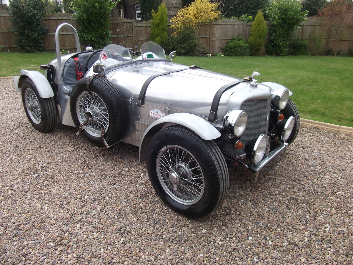 2005 UNIQUE 1930's INSPIRED TWO SEATER SPORTS CAR For Sale (picture 1 of 6)