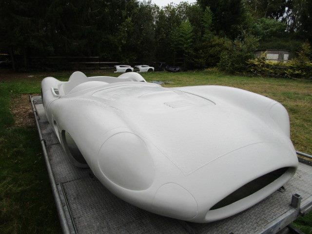 1957 DBR1 body in fiberglass  For Sale (picture 2 of 6)