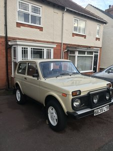1989 Lada Niva Built for Siberia not Suburbia