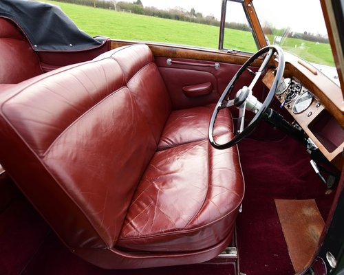 1951 Lagonda 2.6-Litre Drophead Coupé For Sale (picture 4 of 6)