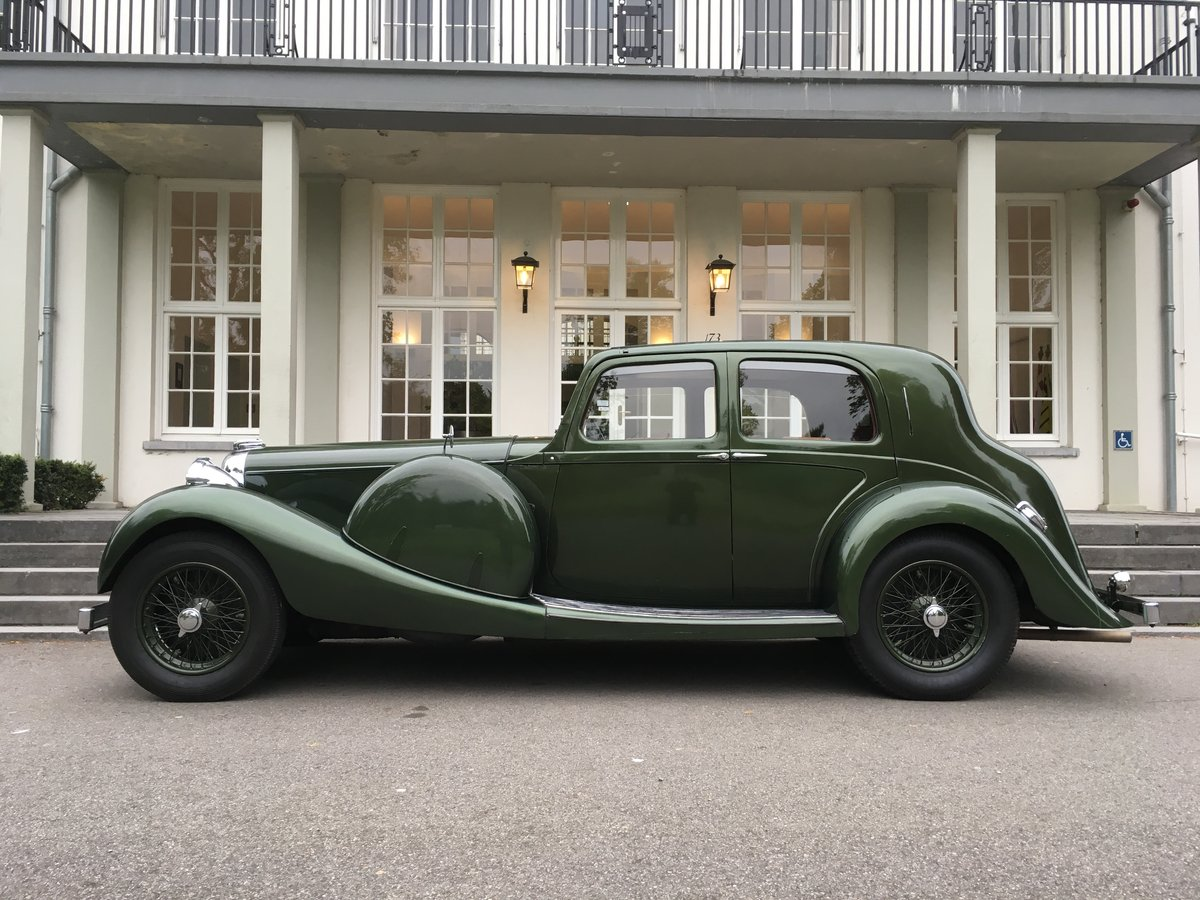 1937 Lagonda LG45 Saloon For Sale (picture 2 of 6)